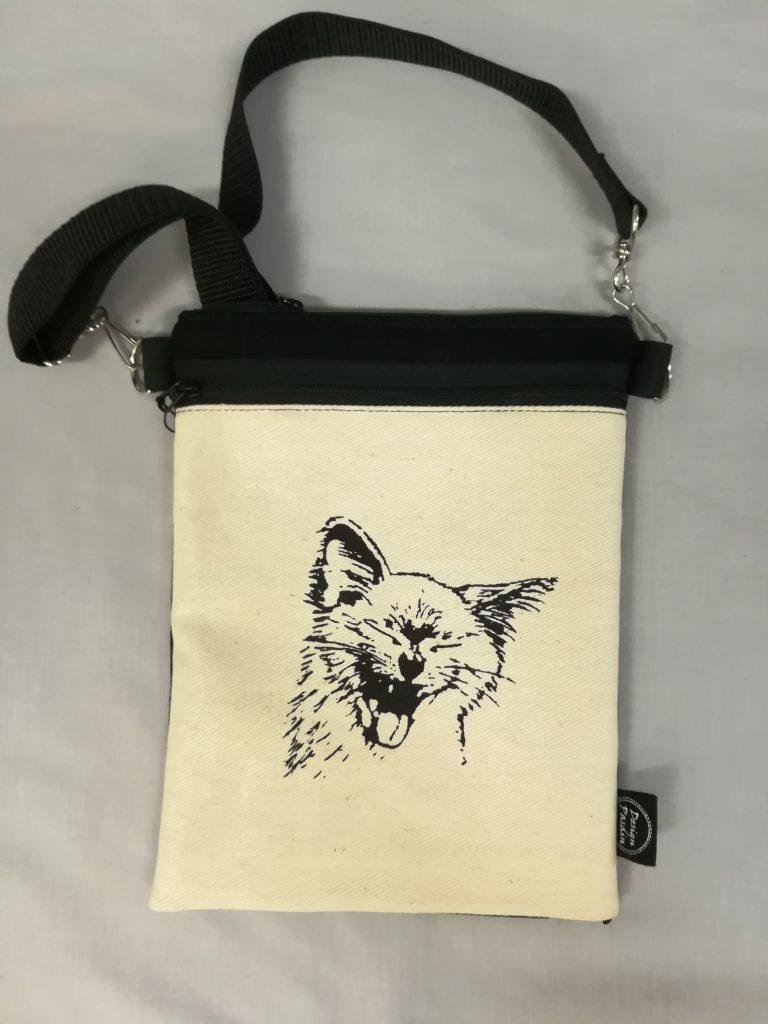 Kissa kännylaukku